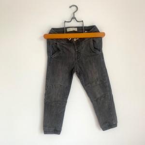 jeans 3/4 ans