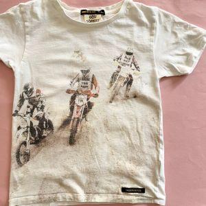 tee-shirt 8/9 ans